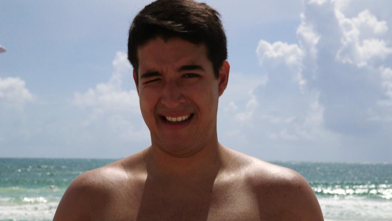 Gestos que todos hacemos en la playa: edición masculina