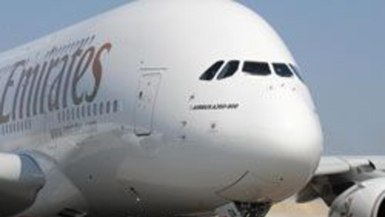 Vuelo de Emirates fue obligado a regresar por presunto pasajero que teni...