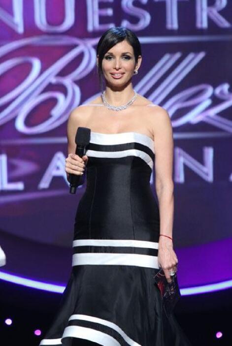 El otro vestido que lució fue de Johnny Stracchia, con el cual dio a con...