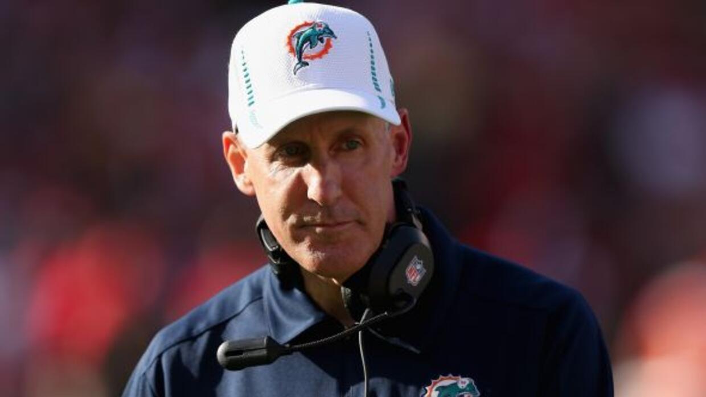 El entrenador en jefe de los Dolphins habló de su decisión.