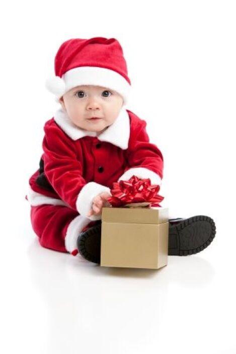El rey de la Navidad es Santa Claus y el de tu casa  tu bebé, así que na...