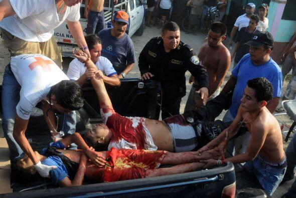 En relación a 2009, la tasa de homicidios por cada 100 mil habitantes fu...