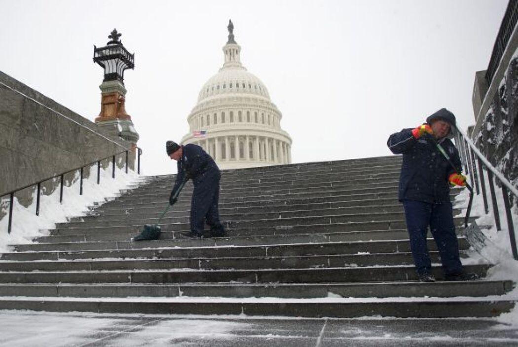 La capital estadounidense amaneció este lunes semiparalizada.