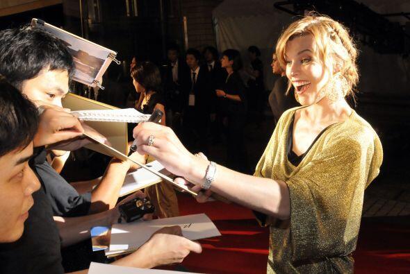 Milla Jovovich Mira aquí lo último en chismes.