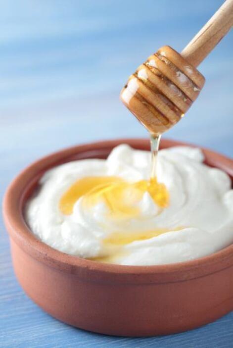 Miel y yogurt:Hace milagros para las pieles más deshidratadas.  Combina...