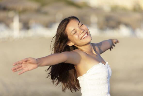 Tu respiración no es agitada: Cuando respiras lo haces lento y llenas co...