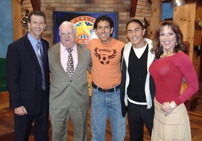 Leo Martínez (centro), productor general, no quiso perderse la foto.