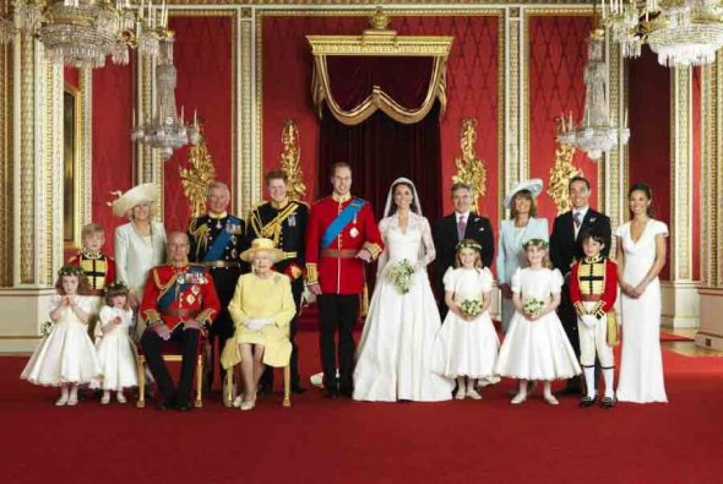 El Palacio de Buckinham publicó las tres fotos oficiales de la Boda Real...