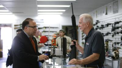 Obama prepara acción ejecutiva sobre control de armas gun_ap.jpg