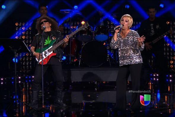 Lupita D'Alessio y Alex Lora participaron contra Paulina Rubio y Los Tig...