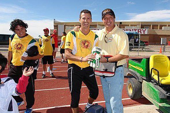 Félix junto a Víctor Camino, uno de los organizadores del...