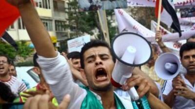 La revuelta de Siria inició entre marzo y abril contagiada por movimient...