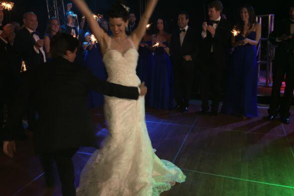 Greidys estaba feliz y no paró de bailar en toda la noche. ¡Felicidades...