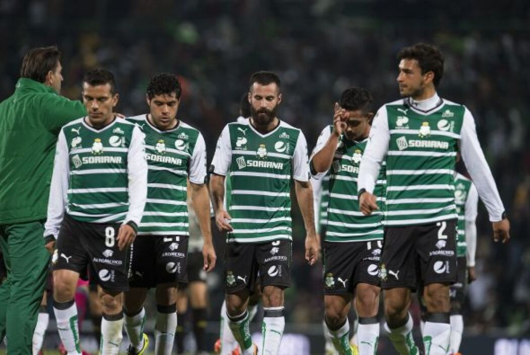 Santos acabó la primera mitad contrariado ante el sistema de juego de Ch...