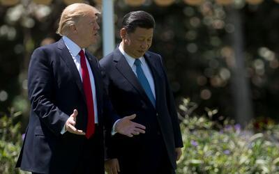 Donald Trump y Xi Jinping en un paseo por Mas-a-Lago el pasado 7 de abril