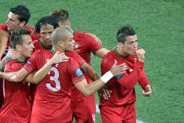 CR7 metió el gol que le daba vida a Portugal ante la ola naranja.