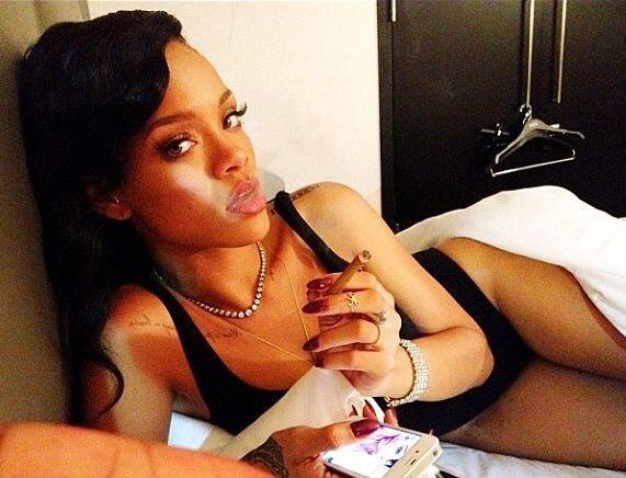 Rihanna: Varias cadenas noticiosas han dado por cierto que a la cantante...