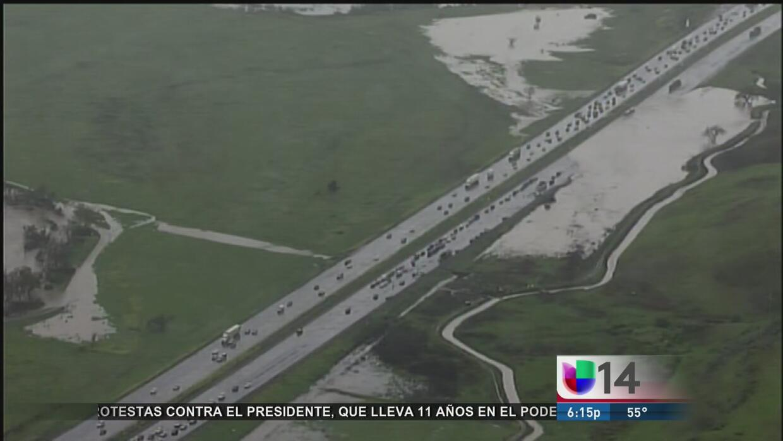 Cierre de carriles en autopista 101