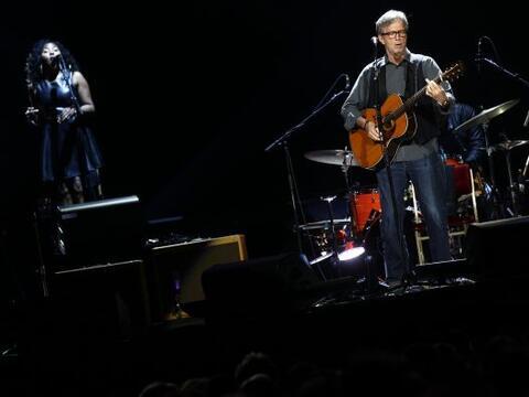 Clapton regresó al Valle del Sol para su gira ´Crossroads Guitar Festiva...