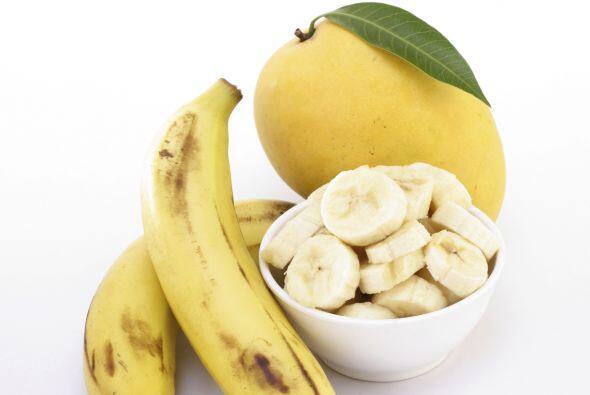 Puré de frutas. En un pequeño tazón, aplasta con un...