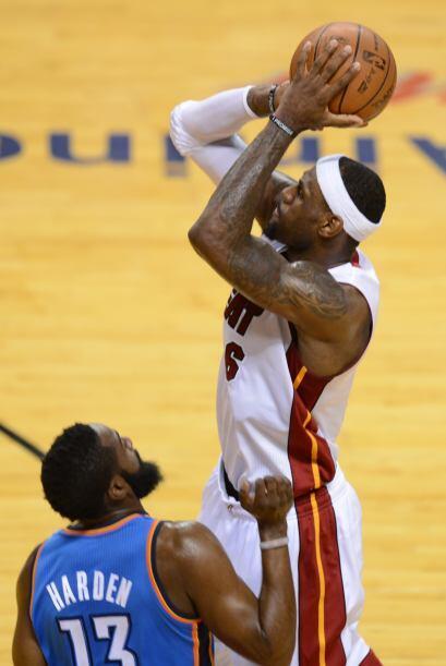 Al final el Heat se llevó el triunfo y LeBron James se coron&oacu...