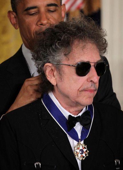 El músico, cantante y poeta estadounidense Bob Dylan también forma parte...