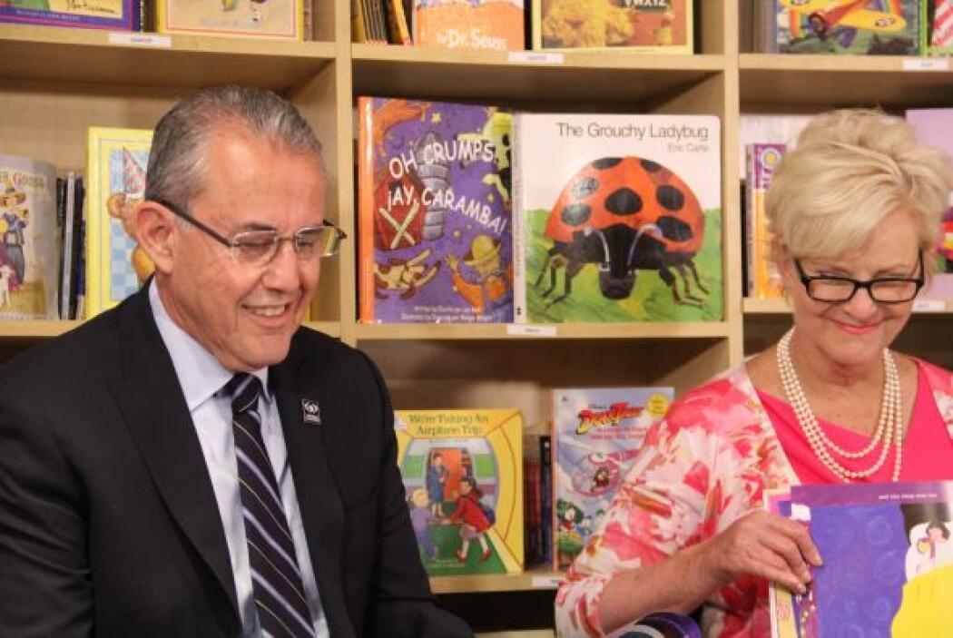 La lectura fue compartida entre los tres invitados especiales y duró uno...