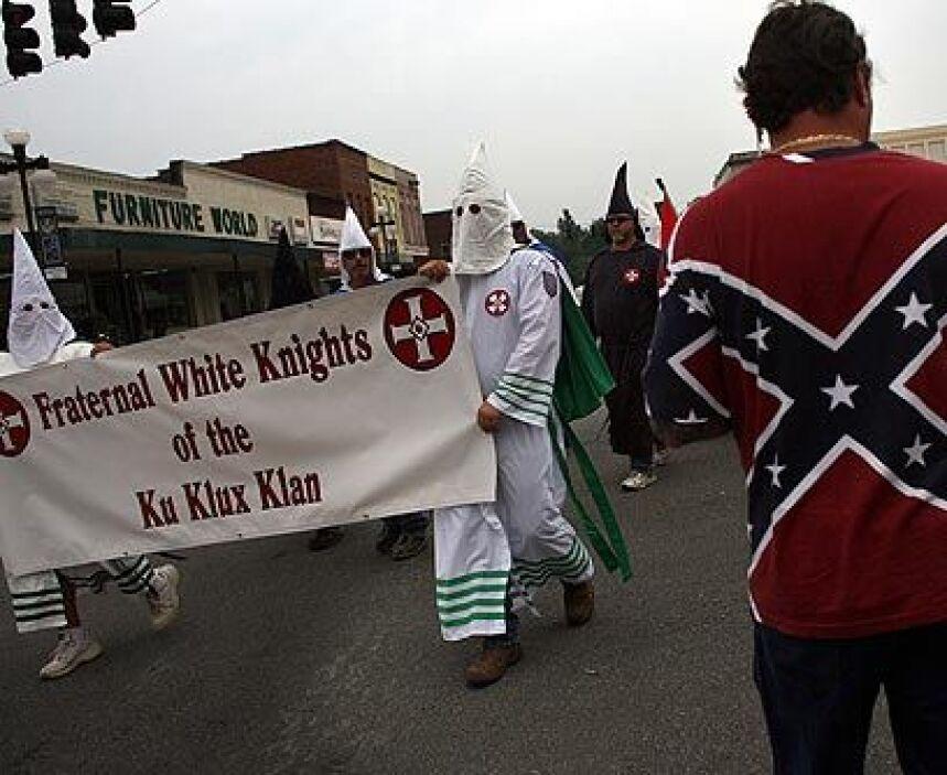 En TexasEl Ku Klux Klan está presente en todos los estados, aunque tiene...
