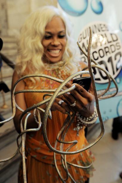 Chris The Dutchess Walton cuenta con el récord mundial de uñas largas co...