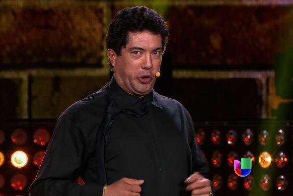 """Carlos cantó """"Por tu maldito amor""""."""