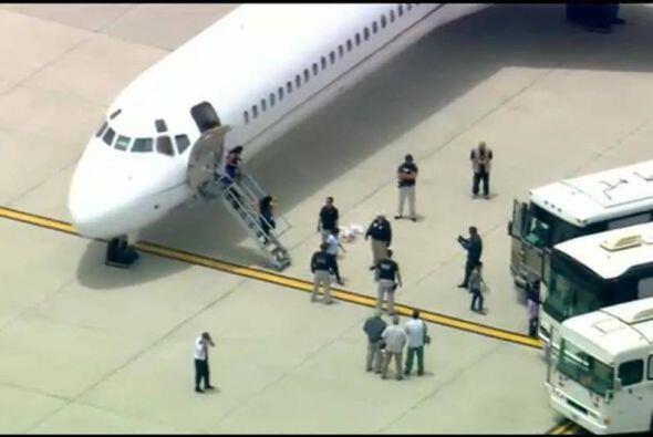 La primera delegación de refugiados trasladada a California, ha desatado...