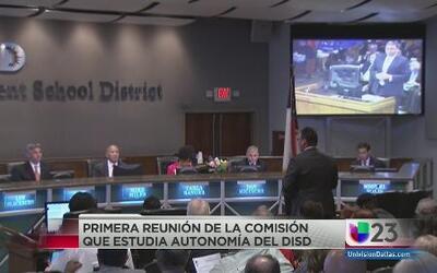 Buscan autonomía para el distrito escolar de Dallas
