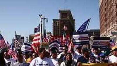 Grupos pro inmigrantes piden a presidente Barack Obama detener redadas 0...