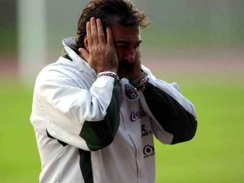 Ricardo La Volpe se prepara para su aparición con las Chivas y co...