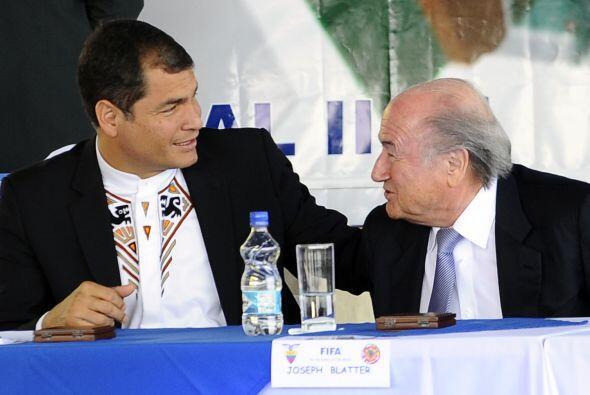 Blatter visitó Ecuador después de seis años. La nac...