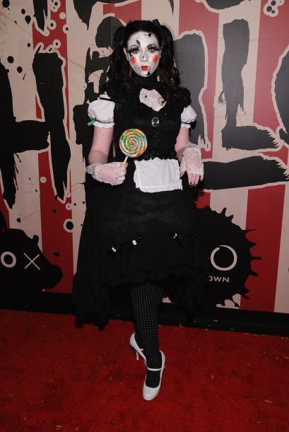 Esta aterradora muñeca es la actriz Michelle Trachtenberg.