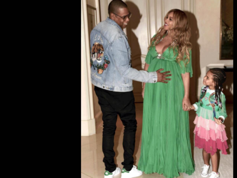 Jay Z, Beyoncé y Blue Ivy en una foto que les tomaron cuando sal&...