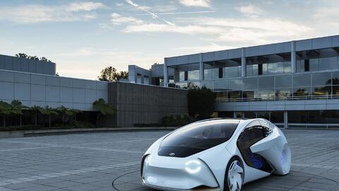 Este es el Toyota Concept-i,el auto que quiere ser tu amigo