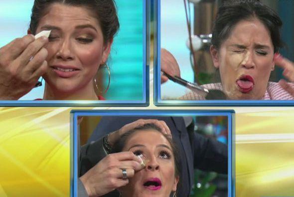 Los brochazos predominaron durante el maquillaje, ¿ya vieron a la pobre...