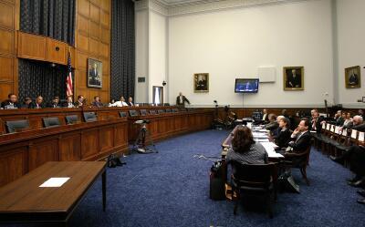 Marjorie Cohn, profesora de la TJSL, testifica ante el Congreso