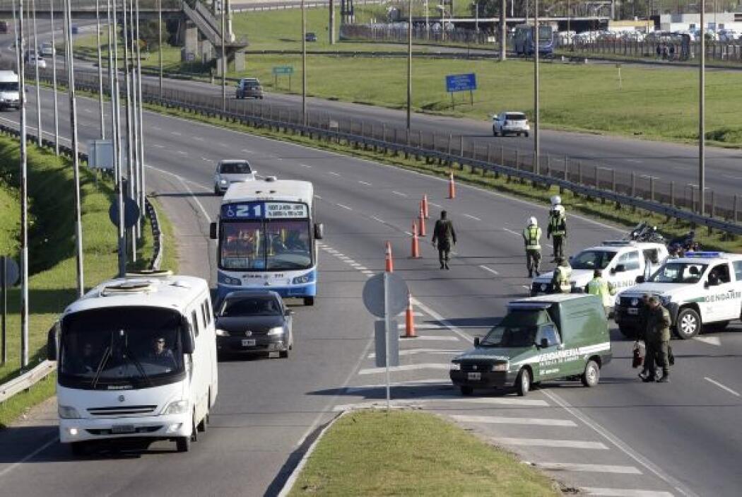 El ministro de Interior y Transporte argentino, Florencio Randazzo, cons...