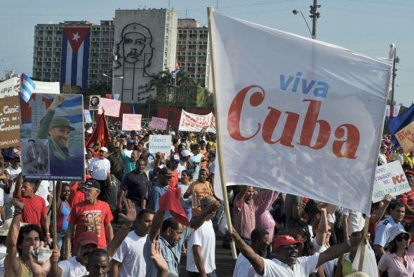 El presidente de Cuba, Raúl Castro, encabezó el sábado un multitudinario...