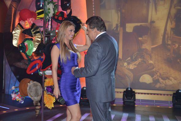 Rosina Grosso y don Francisco bailaban al ritmo de la salsa.