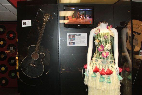 Este vestido fue donado por Thalia.