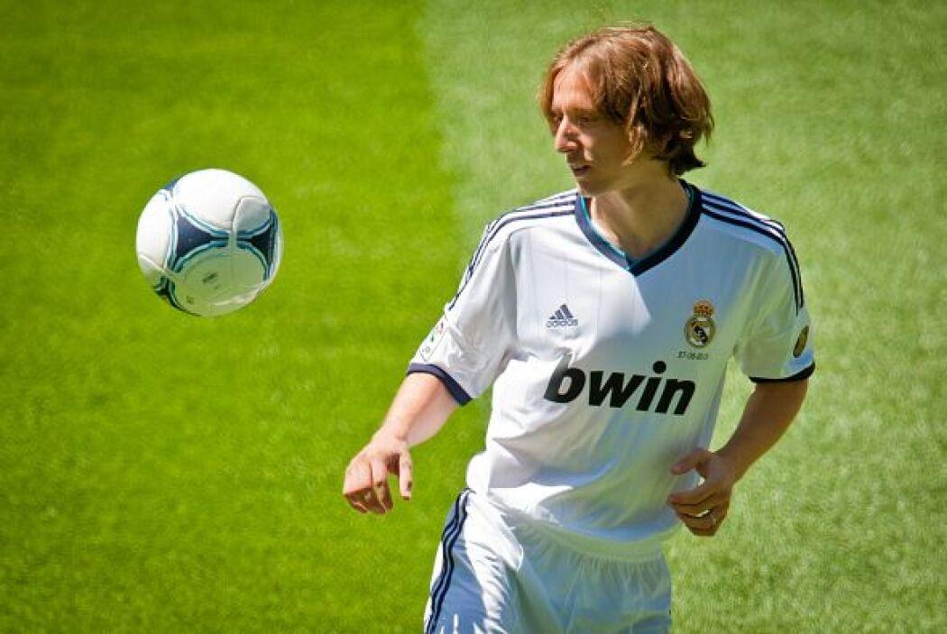 El croata Luca Modric llegó al conjunto merengue por nada despreciables...