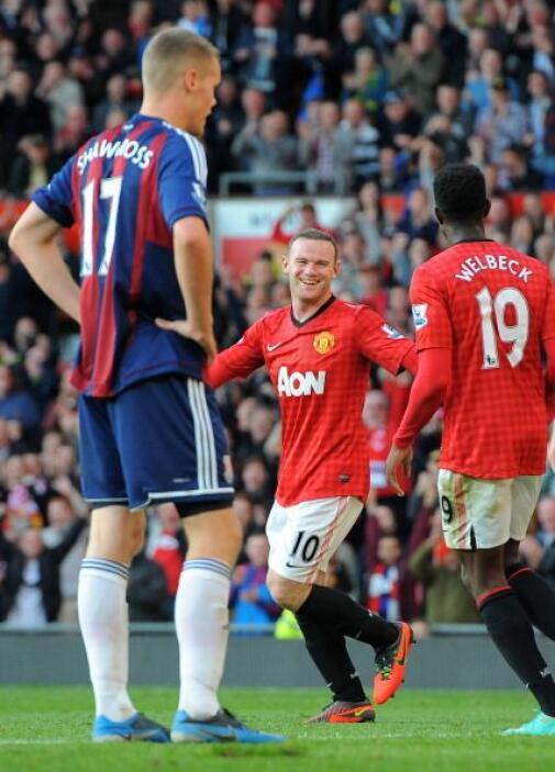 Wayne Rooney cerró la cuenta del Manchester que ganó 4-2.