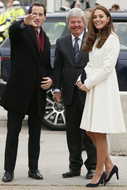 Aunque Kate estaba espectacular, fue su creciente pancita lo que llam&oa...