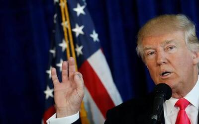 Donald Trump anima a Rusia a infiltrar emails de Clinton