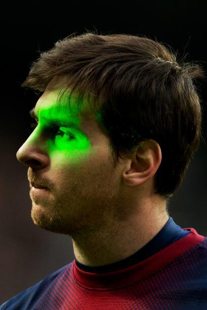 En Barcelona el láser no dejó tranquilo a Cristiano, en Madrid le dieron...