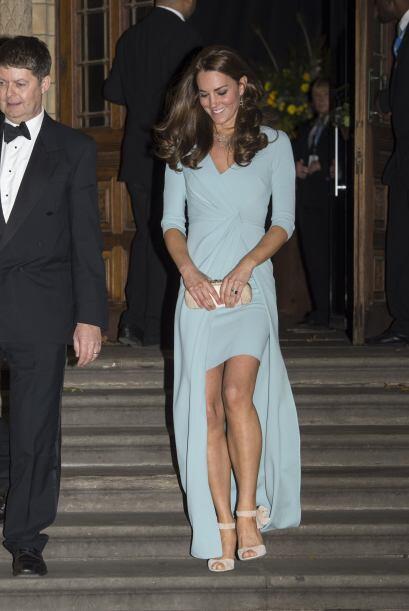 Y que Kate en estos momento luce divina y radiante.
